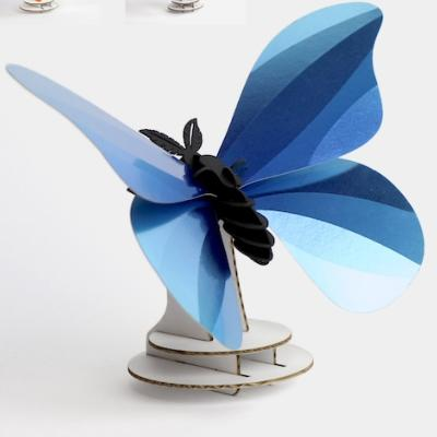 Kit de fabrication 1 Papillon Bleu Giant Silk Butterfly Assembli