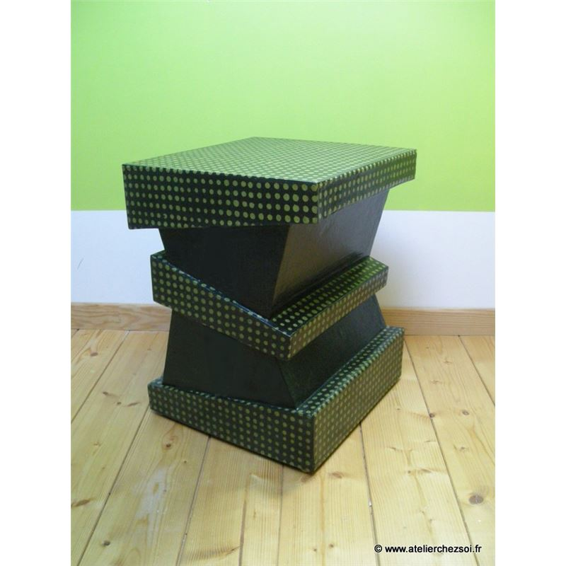 patron de meuble en carton tabouret halli l 39 atelier chez soi. Black Bedroom Furniture Sets. Home Design Ideas