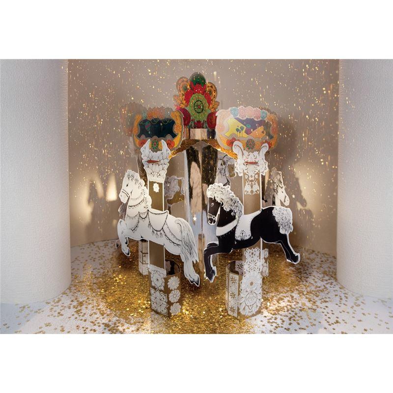 coffret cr atif carrousel chevaux enchant s mon petit art de l 39 atelier chez soi. Black Bedroom Furniture Sets. Home Design Ideas