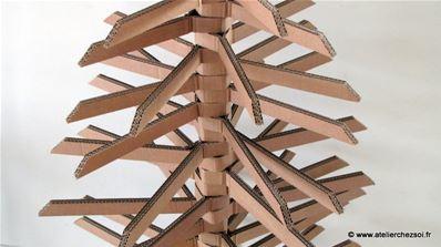 Fabrique un grand sapin de no l en carton fiche cr ative - Fabrication sapin de noel en carton ...