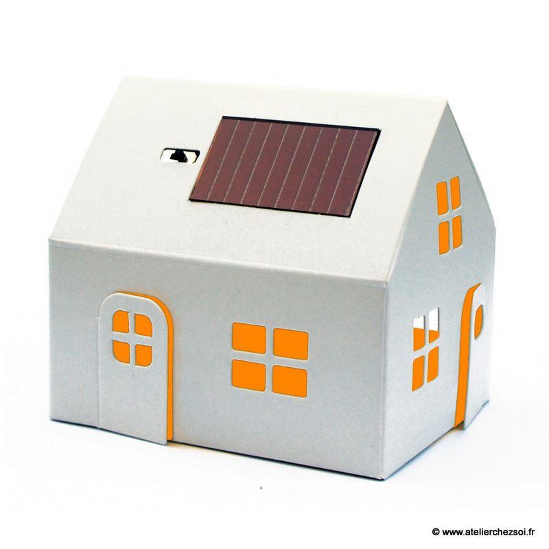 veilleuse solaire maison blanche d corer casagami de l 39 atelier chez soi. Black Bedroom Furniture Sets. Home Design Ideas